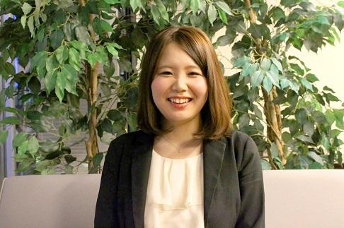 須崎綾さんにお話を聞いてみました。