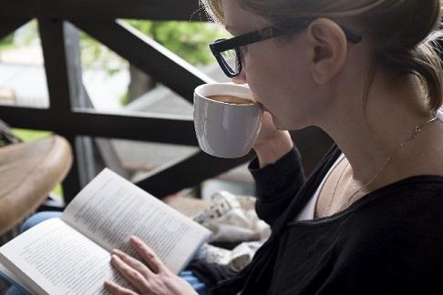 月曜日:カフェで読書